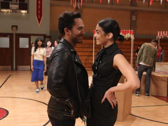 Carlos PenaVega and Vanessa Hudgens rehearse for 'Grease;