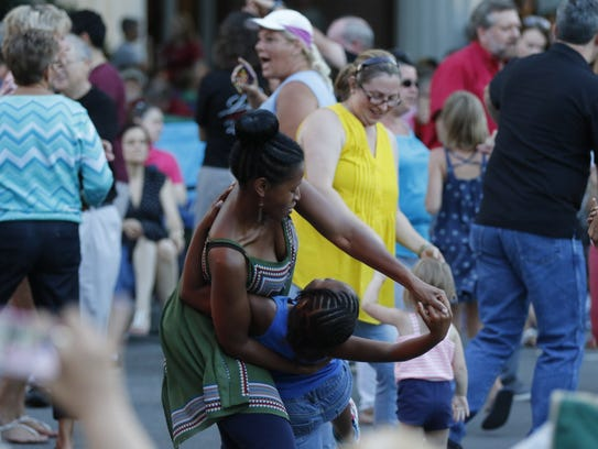 You'll find free, family-friendly fun at the monthly Friday Night Live concerts on the Murfreesboro Public Square.