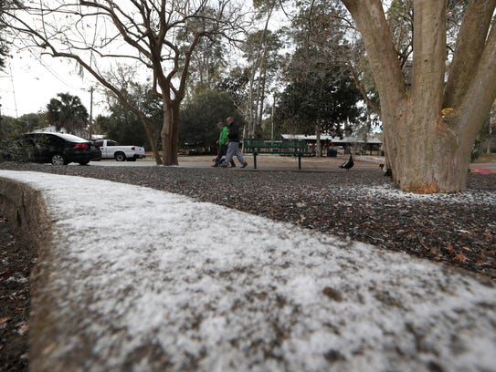 A mix of freezing rain, sleet and light snow in Tallahassee