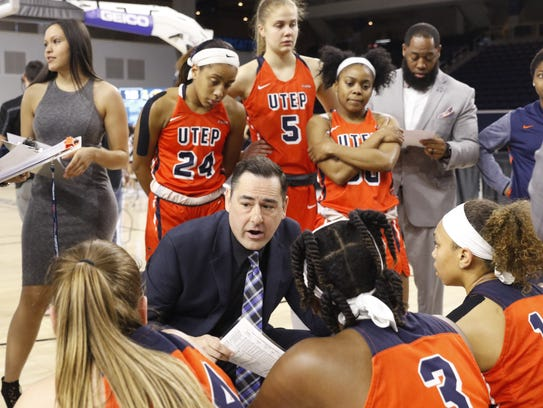UTEP women's coach Kevin Baker talks strategy with