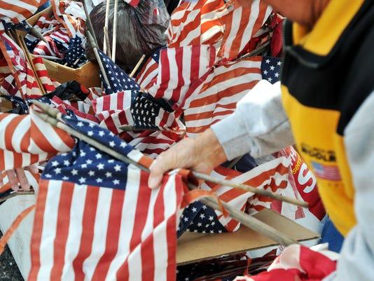 -110709 Flag Retirement 7.jpg_20100404.jpg