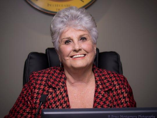 Desert Hot Springs City Council member Yvonne Parks will resign April 17.