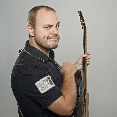 Guitarist Andy McKee will play the Largo Cultural Center on Friday, October 24th.