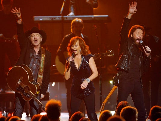 USP ENTERTAINMENT: CMA AWARDS S ENT USA TN