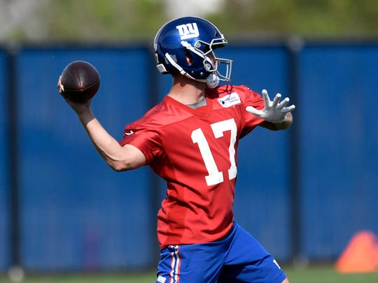 New York Giants quarterback Kyle Lauletta throws the ball during rookie minicamp in East Rutherford, NJ on Friday, May 11, 2018.