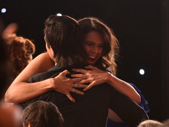 Mandy Moore hugs Milo Ventimiglia as the cast of 'This