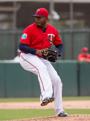 Fernando Abad was 1-6 with a 3.66 ERA last year in 57 relief appearances for Minnesota and Boston.