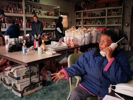 A file photo taken in 1998 of Evelyn Mount as she talks