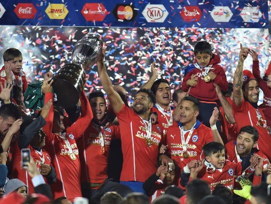 Chile alzó la Copa América por primera vez en su historia,