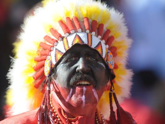 2014-07-21-chiefs-fan-redface