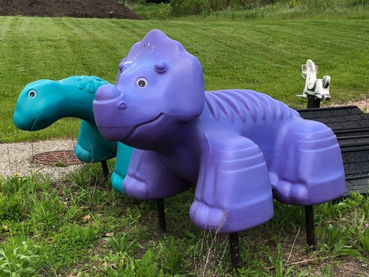 636628612872687119-purple-dinosaur.jpeg