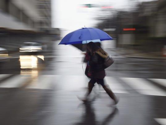 636337600500109344-NAS-rain-01.jpg