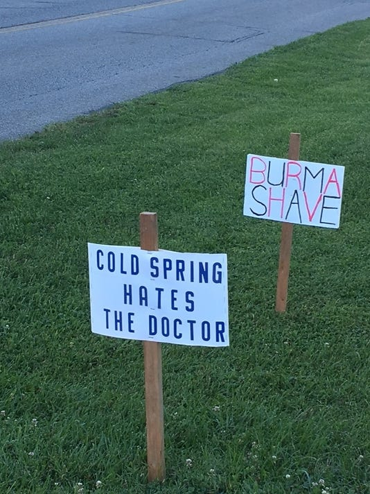 636340706646277398-hate-signs-in-Schroer-yard.jpg