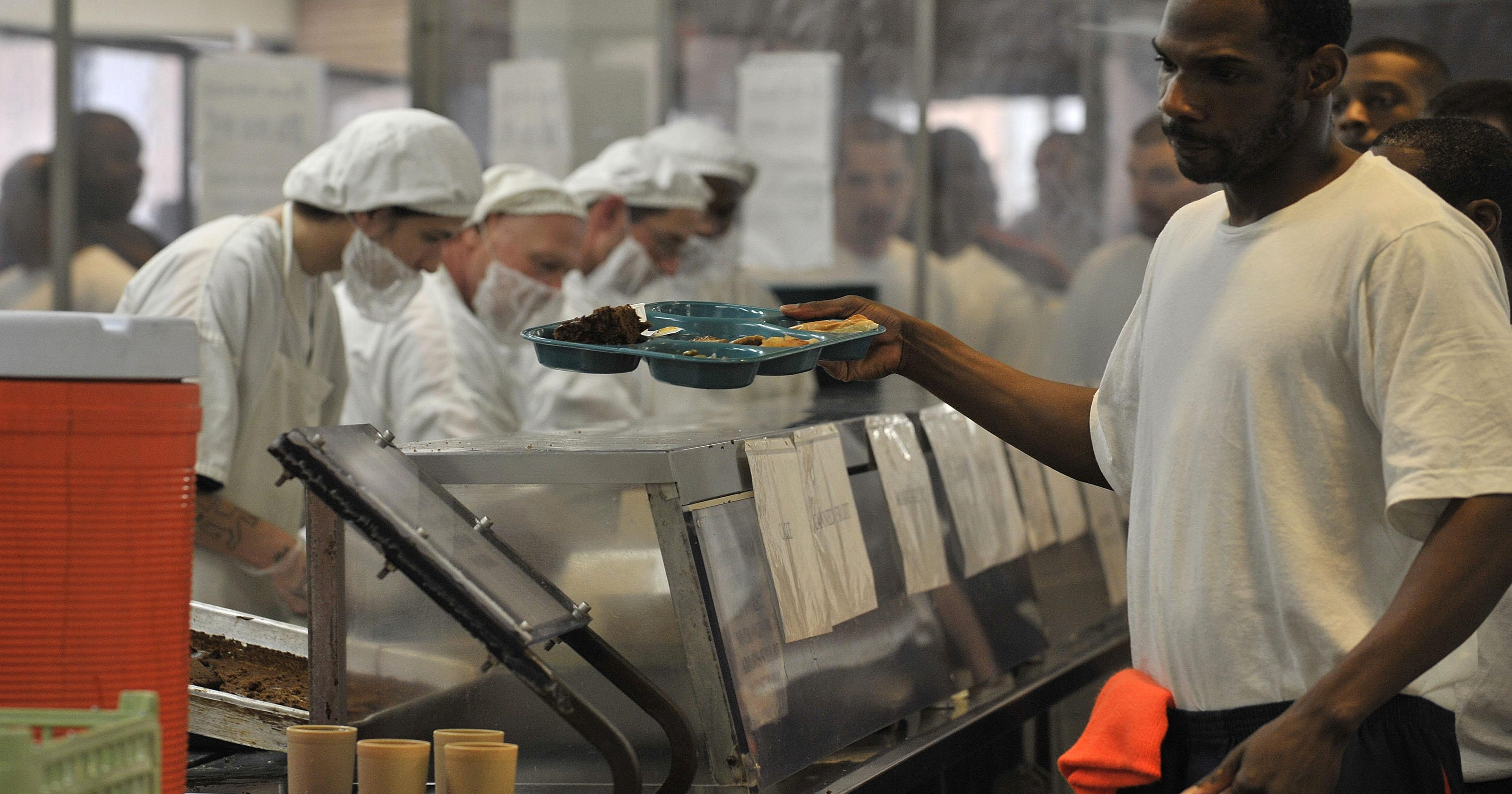 717ff186af Snyder ends Aramark prison food contract