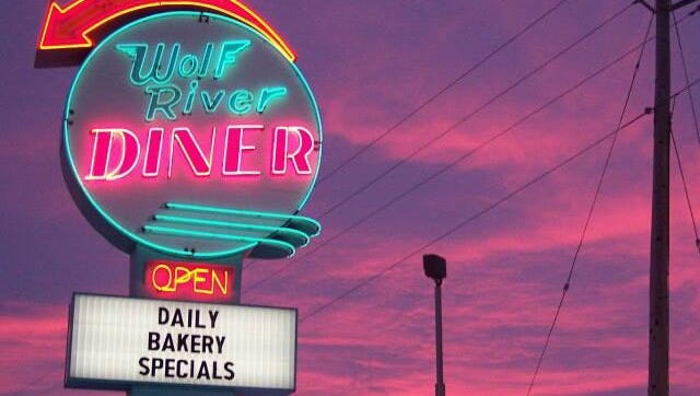 Wolf River Diner reopens in Fremont.