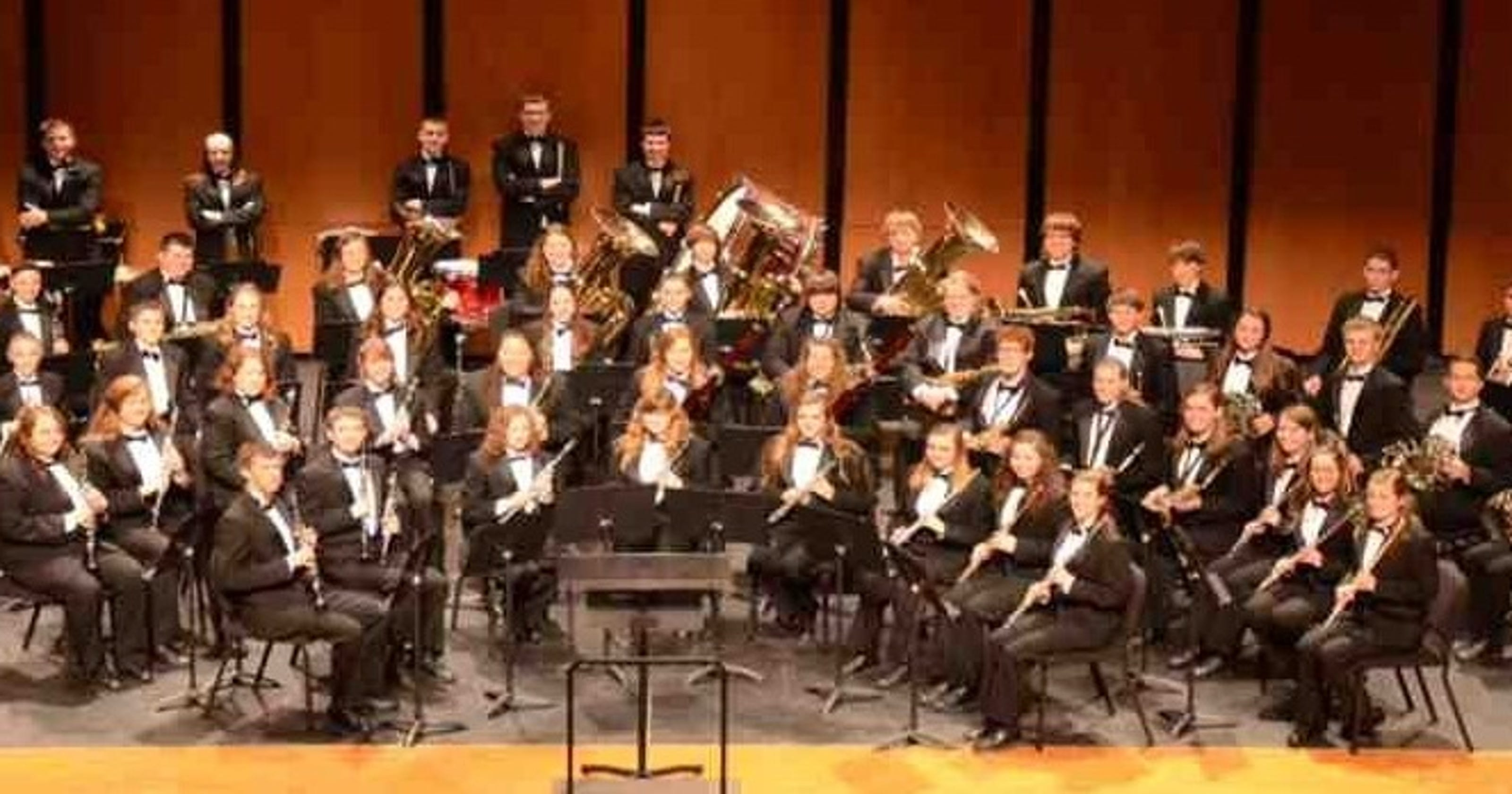 Salute to Veterans  planned by symphony band b5f0f0fc4