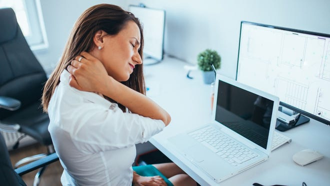 Cervical decompression is a non-surgical alternative to alleviate neck pain and improve your spine.