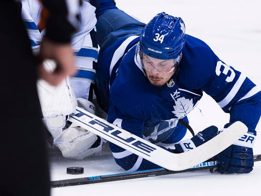 Jets_Maple_Leafs_Hockey_65685.jpg