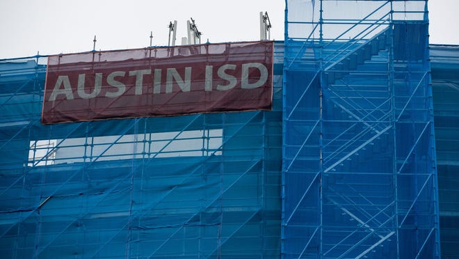 Starting in February, Austin school board members will hold public meetings on Thursdays instead of Mondays.