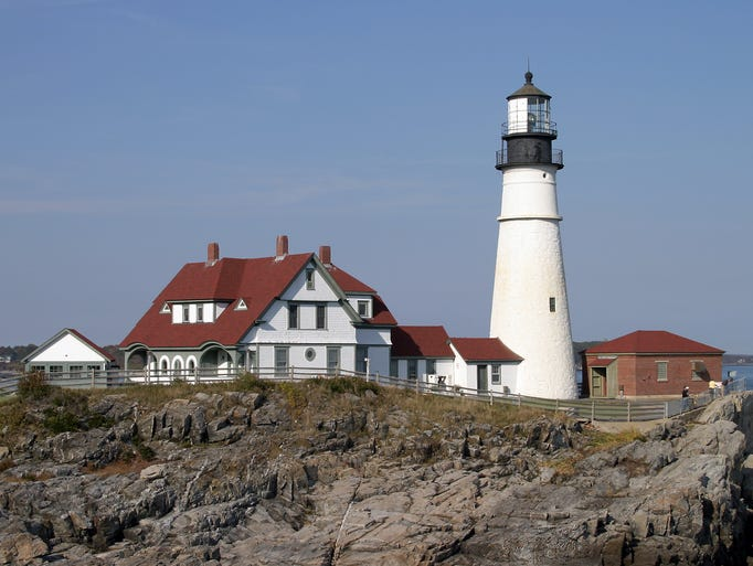 10 best lighthouses around the usa for Most beautiful lighthouses in the us