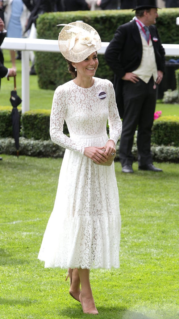 c822d58c91199 It s D G for Duchess Kate at Ascot