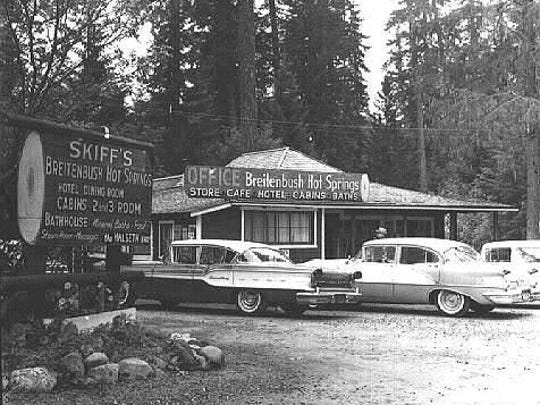 The resort and bathhouses at Lower Breitenbush Hot Springs before 1970.