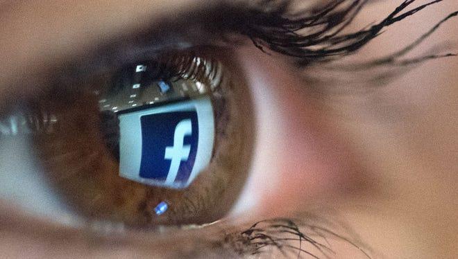 Leer superficialmente los mensajes en Facebook con frecuencia puede dejarnos deprimidos, según estudios.