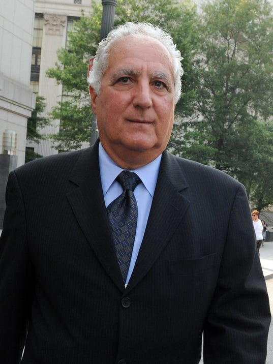 case 1 12 madoff securities The madoff investment scandal was a major case of stock and securities fraud discovered in late 2008 in december of that year, bernard madoff , the former nasdaq chairman and founder of the wall street firm bernard l madoff investment securities llc, admitted that the wealth management arm of his business was an elaborate ponzi scheme.