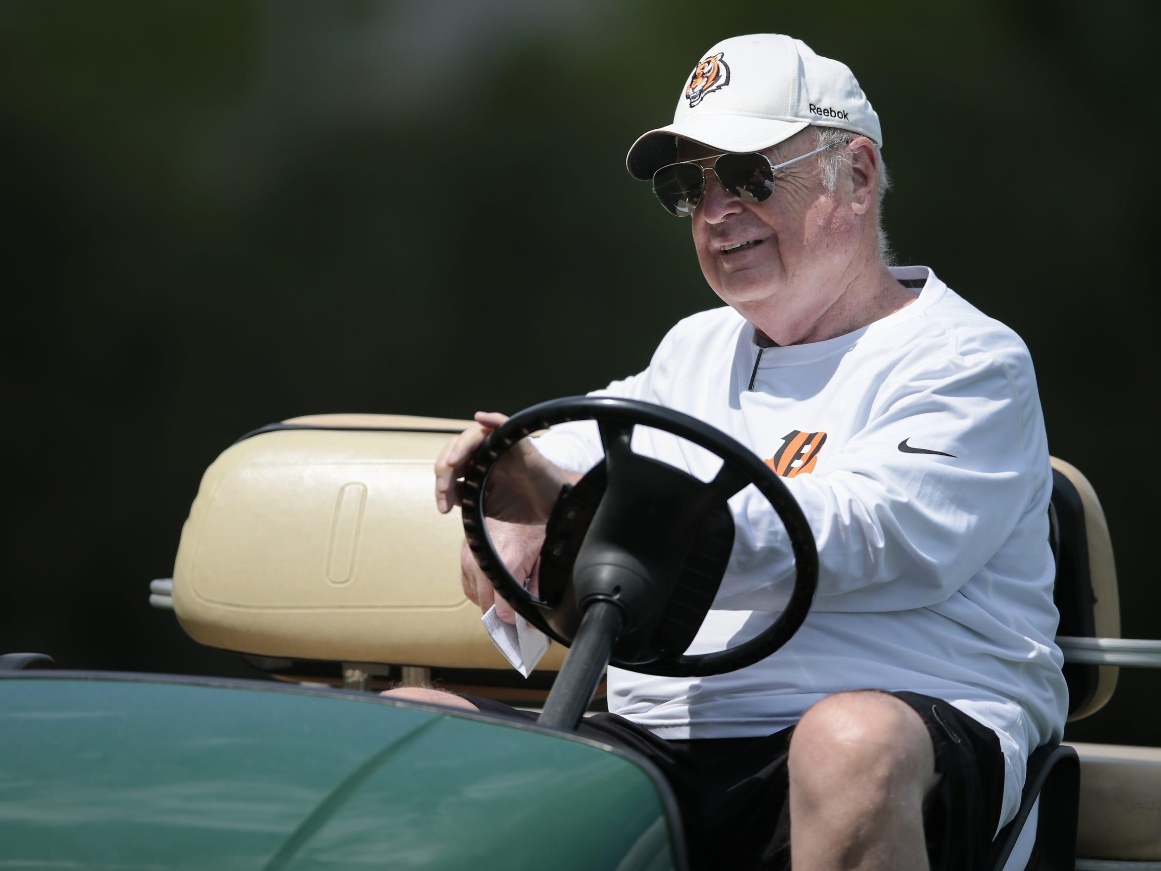 Cincinnati Bengals president Mike Brown cruises around