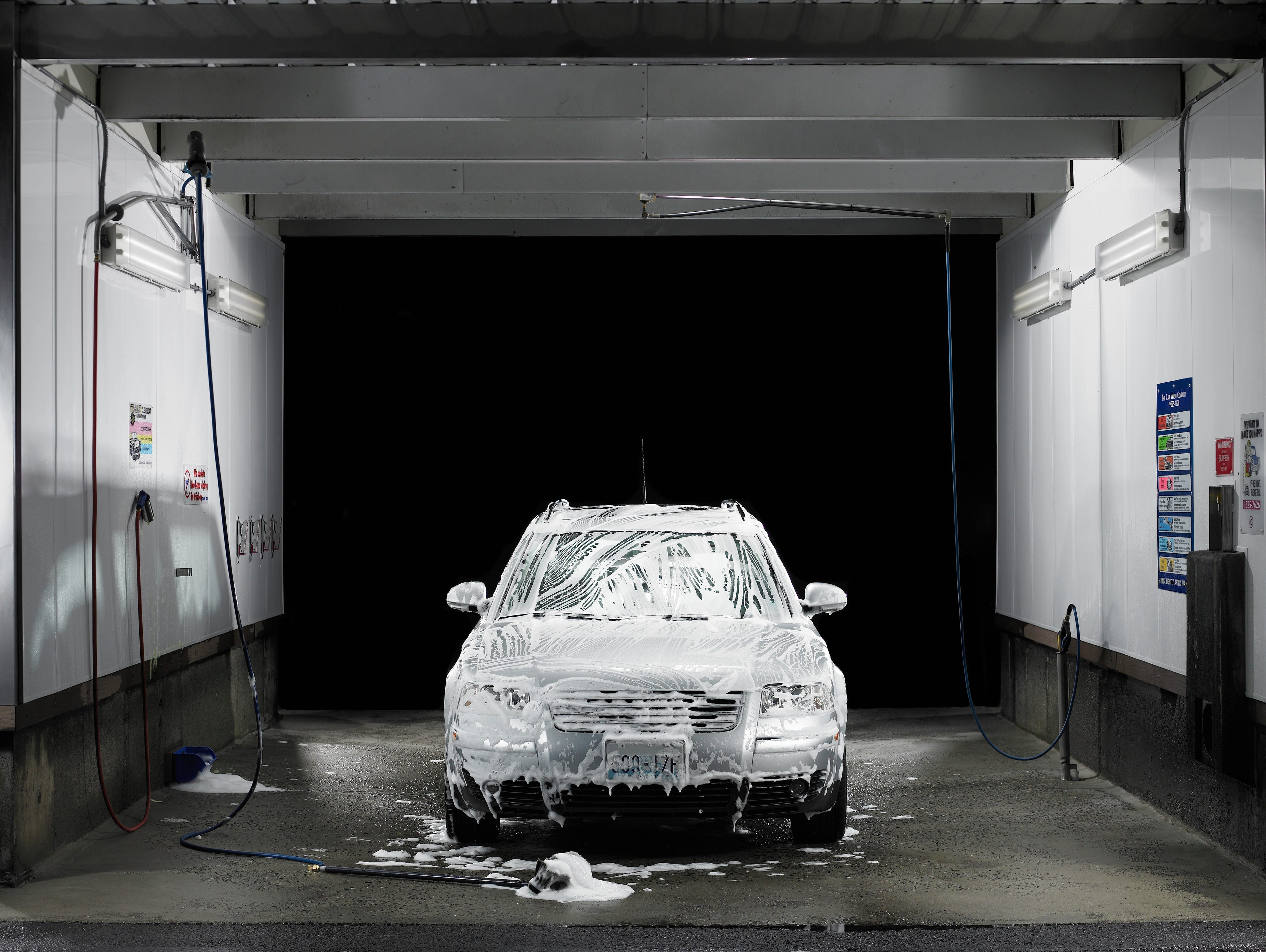 Save money on services from car washes, spa treatments, pet grooming, dry cleaning and more.