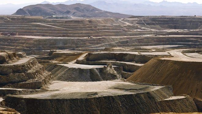 Freeport-McMoRan Inc. said  it will close the Sierrita mine south of Tucson.