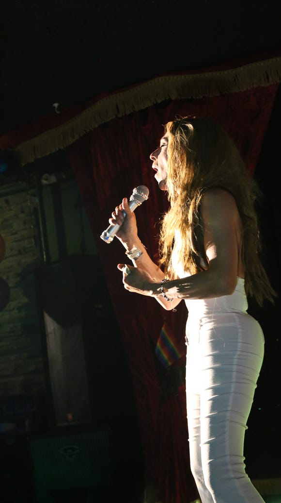 """Alex Serpa performs at """"What a Drag!"""" at Flex Cocktail"""