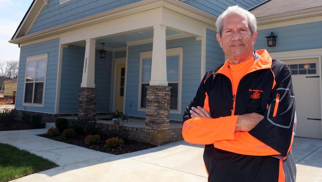 Lester Dunn retired to Tennessee and purchased a new home in Columbia's Arden Village subdivision.