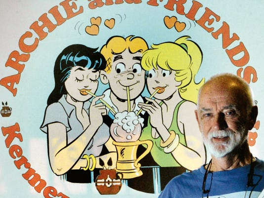 El Paso artist Tom Moore, who was the cartoonist for Archie comic books for more than 30 years, died Monday.