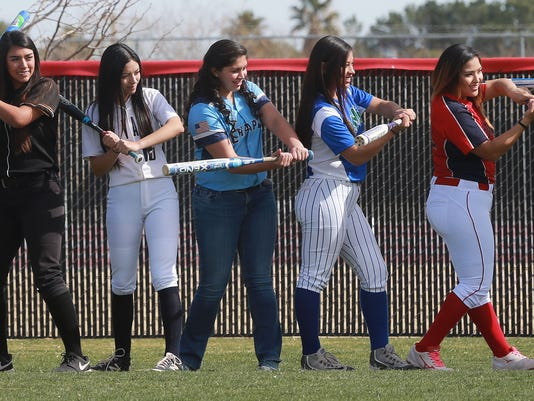 635905210535014836-main-softball.jpg