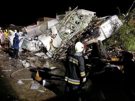 AP APTOPIX Taiwan Plane Crash