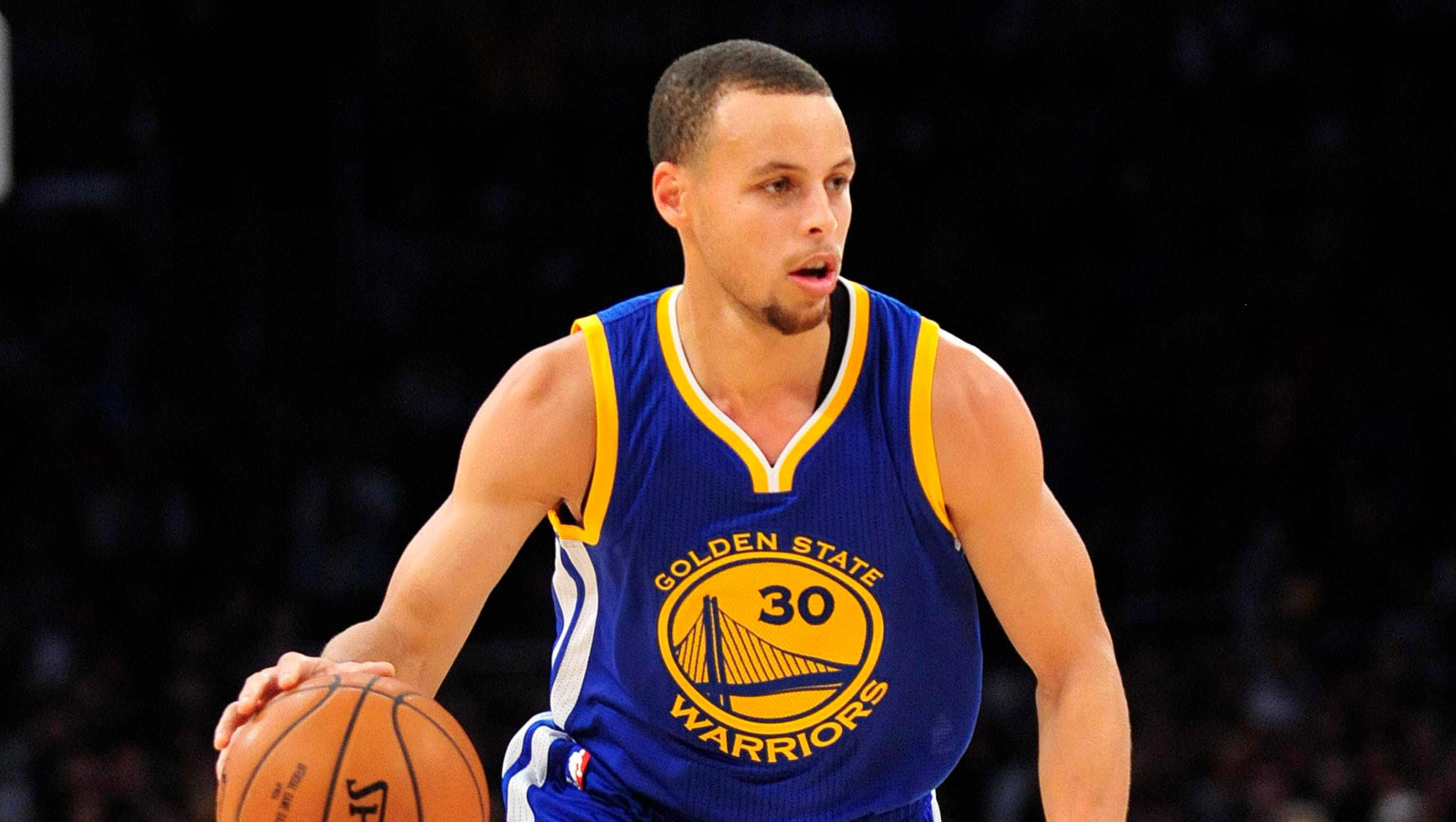 LeBron James, Steph Curry lead NBA All-Star voting
