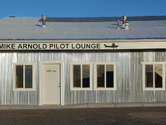 The pilots lounge at the Aztec Municipal Airport has been named after former mayor and airport manager Mike Arnold.