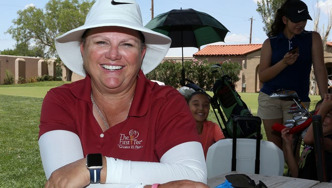 Professional golfer Kristi Albers will end a 10-year hiatus and play in this year's U.S. Senior Women's Open July 12-15 at the Chicago Golf Club.