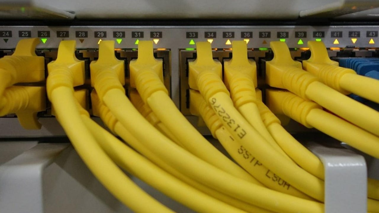 Congress votes to overturn broadband privacy rules