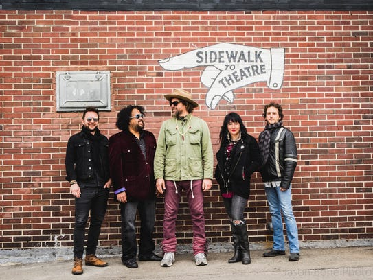 Rusted Root performs at the Milwaukee Journal Sentinel