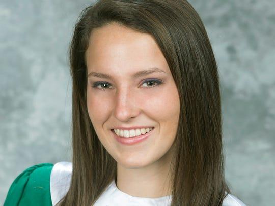 Valedictorian Lara Weise