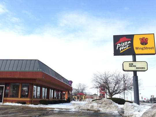 PIzza Hut closed its longtime W. College Avenue location in Appleton last Monday.