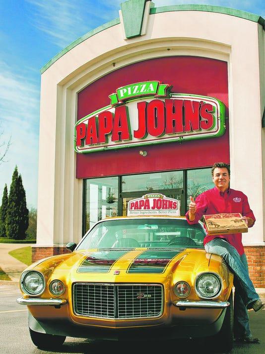 'Papa John Schnatter' delivers pizzas in Camaro lookalike