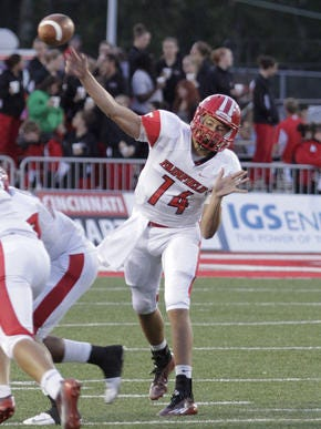 Fairfield QB Hunter Krause committed to Davenport University on Saturday.