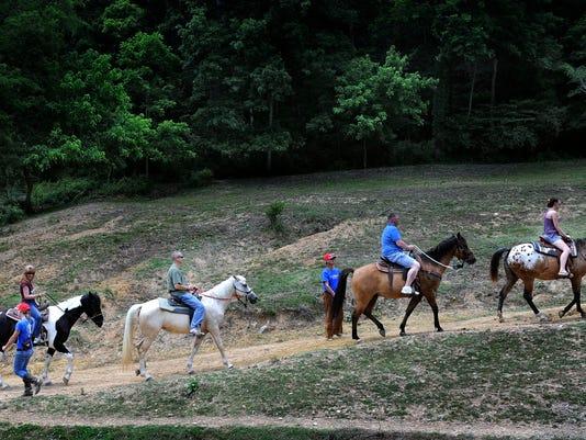 IMG_HORSES4HEROS001.JPG_1_1_D21ICUNT.jpg_20120528.jpg