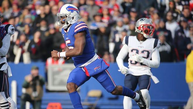 Bills quarterback Tyrod Taylor finds some running room.