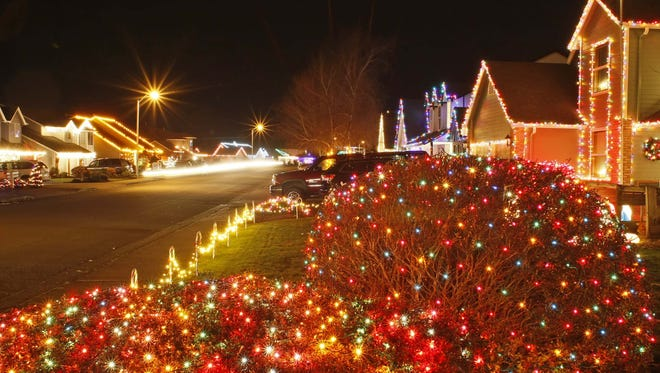 Join Just Walk Salem for a 2-mile stroll through the Keizer Miracle of Christmas Lights Display 6 p.m. Dec. 21.