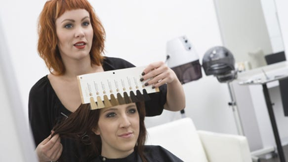 her importance-of-consultation-for-hairdressers