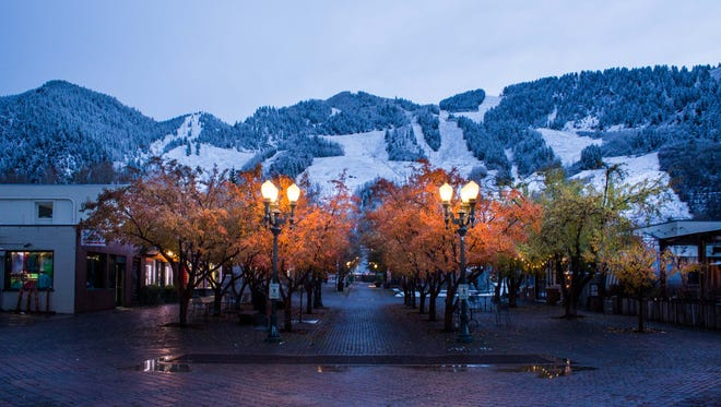 The Aspen City Council is supporting a citizen-driven campaign to block chain stores from taking space in new buildings.